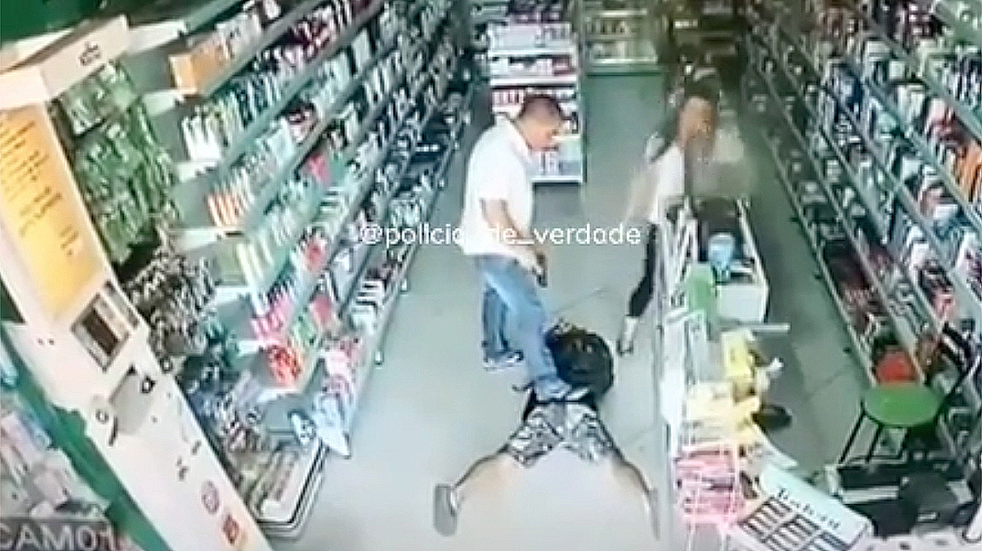 Brazilian Shop Owner, situational awareness, Discretion