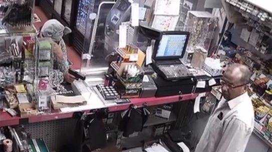 Alabama Store Manager Thwarts Robbery