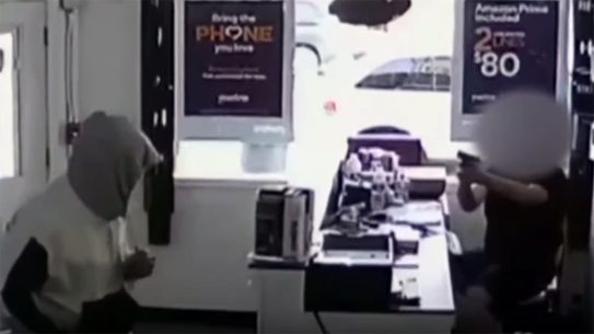 MetroPCS Employee shoots and kills armed robber.