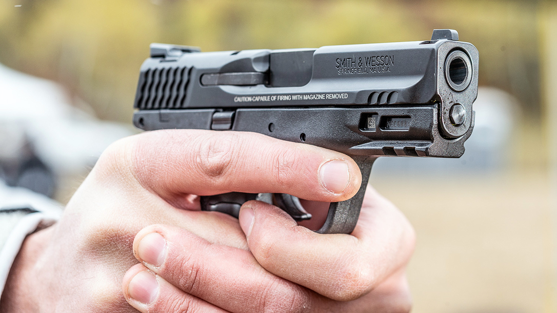 Smith & Wesson M&P M2.0 Subcompact pistol, firing