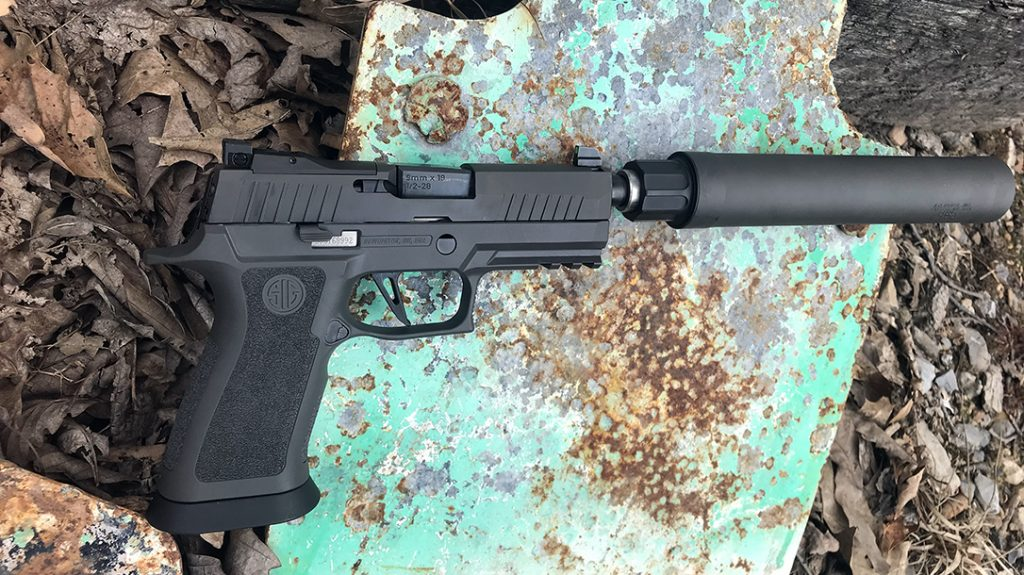 Tritium inserts visible in the XRAY3 Day/Night sights.