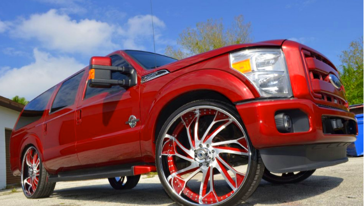 Ford Excursion On 30-inch Asantis - Rides Magazine