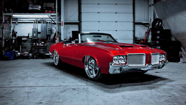 1971 Oldsmobile Cutlass Supreme Hometown Hero Rides