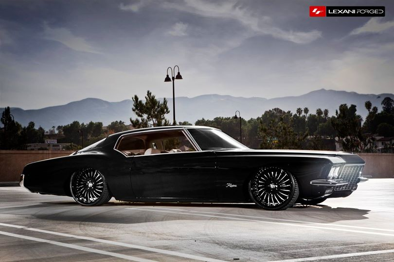 1972 Buick Riviera Bagged on 22 Inch Lexani Forged Wheels ...