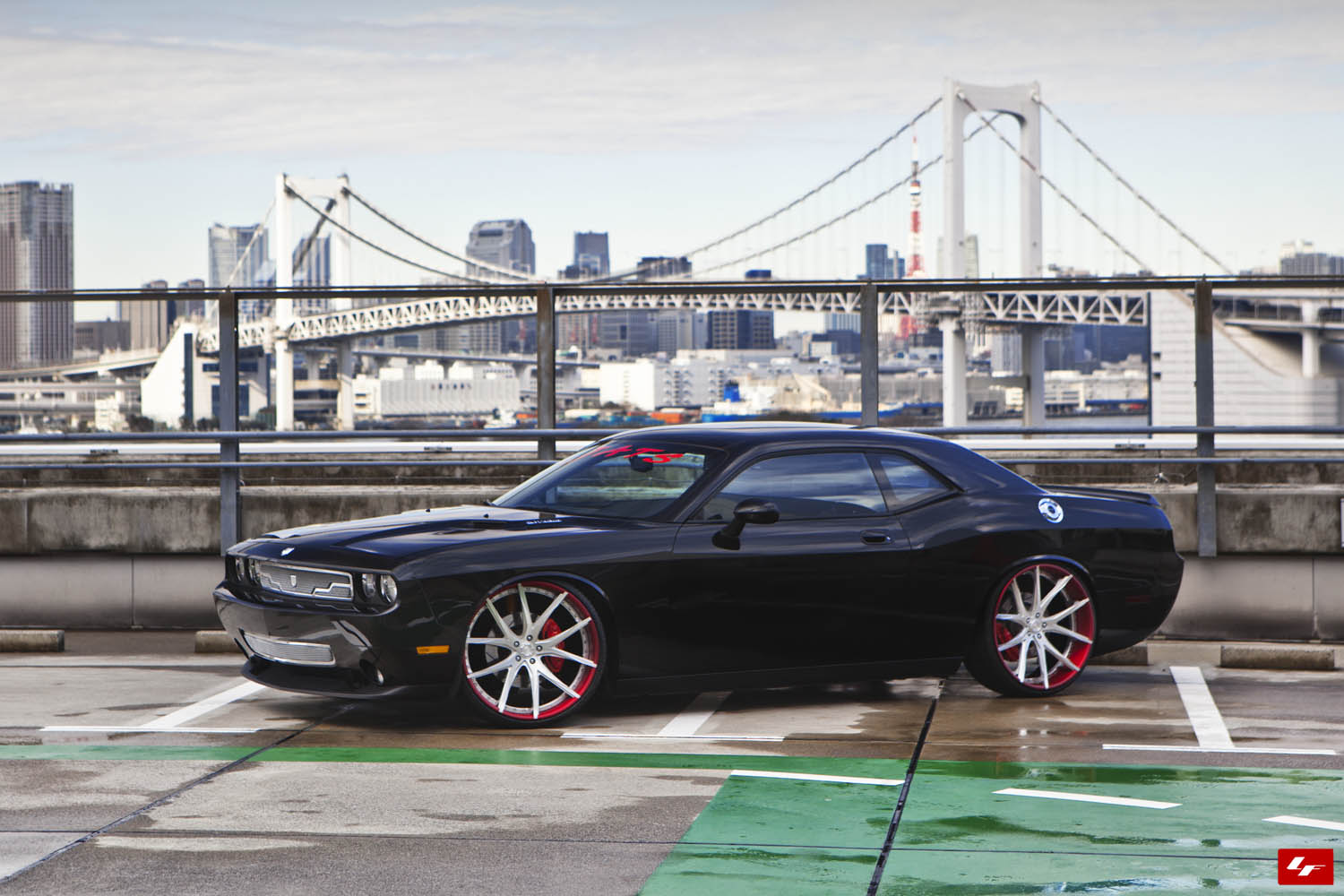 Bagged Challenger Srt8 On 24 Quot Lexani Forged Wheels Pics