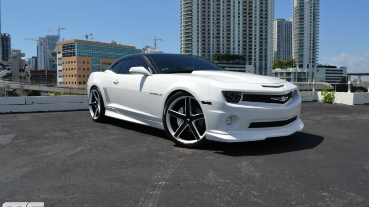 chevrolet chevy camaro maro ss niche road wheels white mc customs jordany valdespin rides magazine custom car