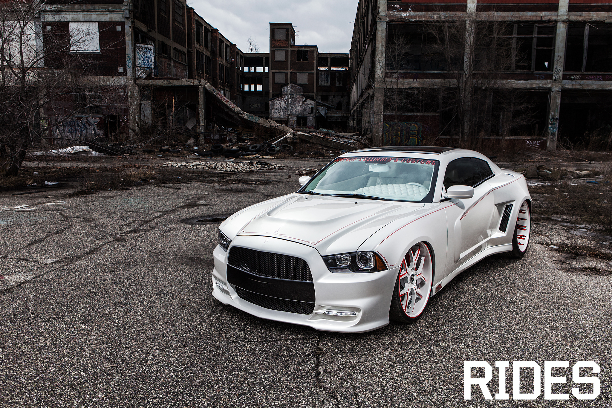 2012 dodge charger rt white