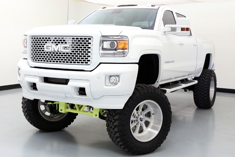 lifted denali hd on fuel wheels and toyo tires for sale friday rides magazine. Black Bedroom Furniture Sets. Home Design Ideas