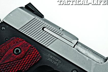 smith-wesson-1911-compact-es-45-acp1