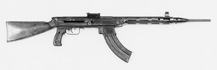 Experimental Shpagin Model 1944 assault rifle, a competitor in the assault rifle trials, bears striking resemblance to his PPSh-41 submachine gun.