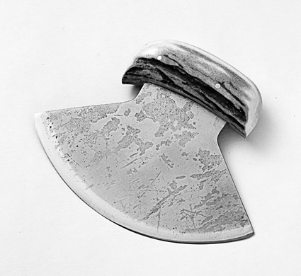 dancing-man-knives-fish-creek-ulu