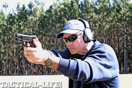 self-defense-and-the-law-combat-handguns-b