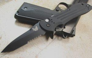 Auto Stryker Knife