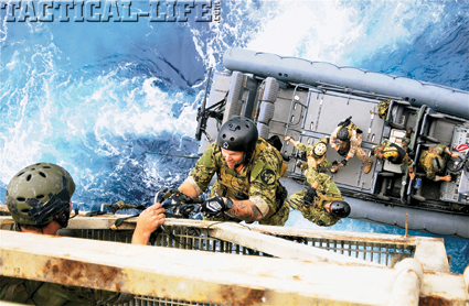 seals-oil-platform-boarding-2-usn