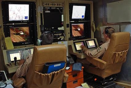 800px-mq-1_predator_controls_2007-08-07