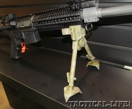 versapod-ar-bipod-with-claw-feet_phatch