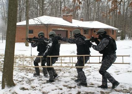 armadillo-tactical-ladder-4