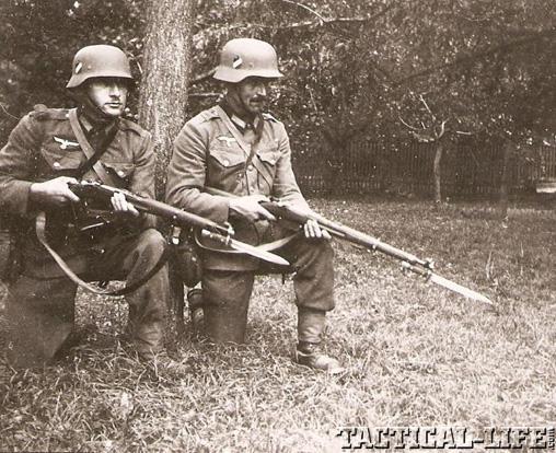 German Soldiers WWII Osterreichisches Repetiergewehr M.95