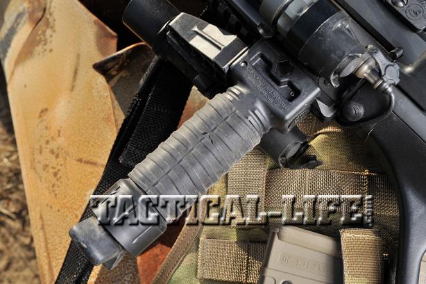 STEYR AUG A3 NATO grip