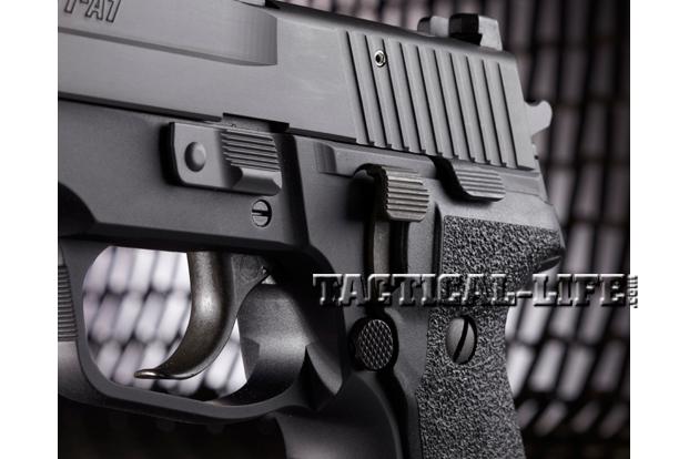 Combat Handguns Sig-Sauer-M11-A1-controls