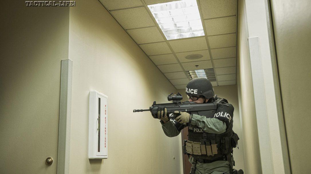 Law Enforcement Tactics - Bullpup CQB LE Gunfighting