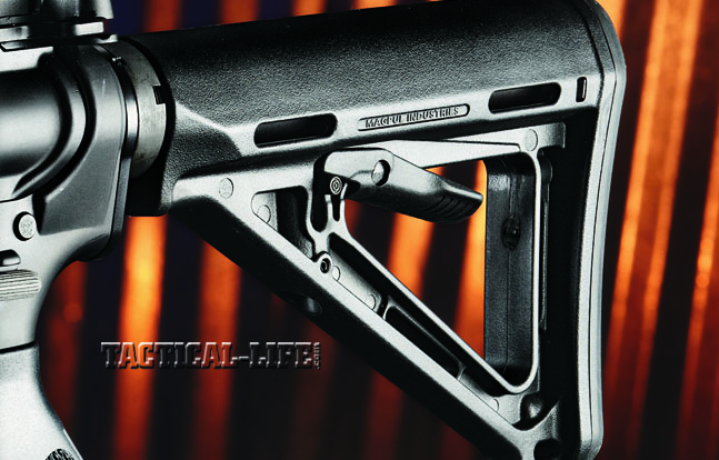 The M4 V7's Mil-Spec-diameter receiver extension was fitted with a six-position collapsible Magpul MOE buttstock.