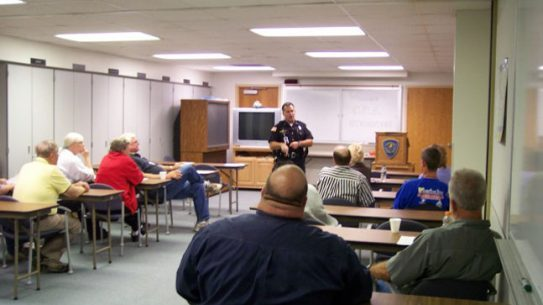Two Florida law enforcement agencies are accepting applications for free citizens academies to be held in early 2014.
