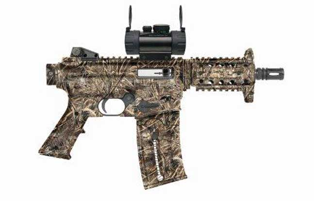 Mossberg 715 P Duck Commander