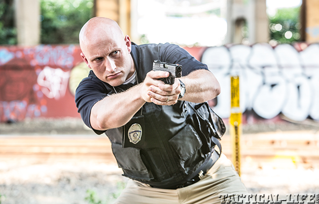 7 Reasons Why Cops Choose the 9mm Over the .40