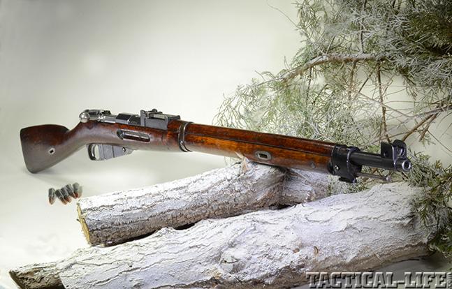 Finnish M/28-30 lead
