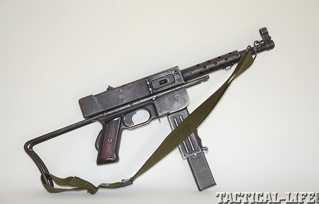 MAT-49 solo