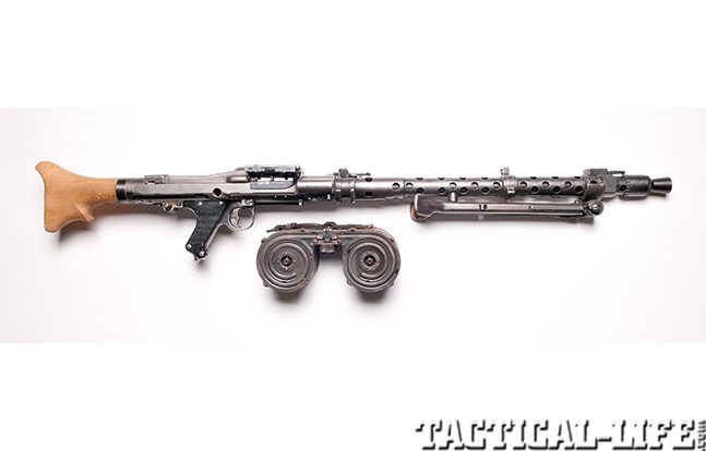 German MG34 detailed right