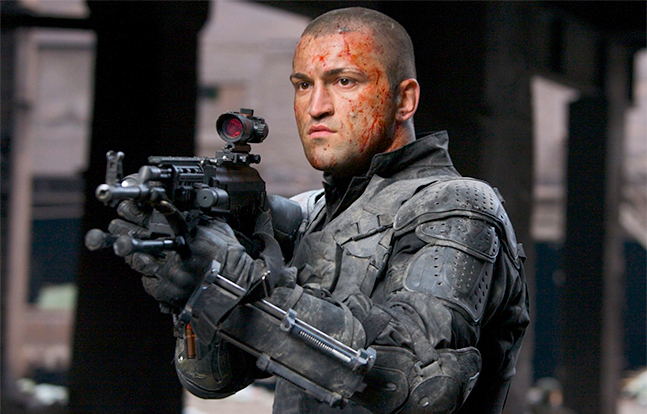 Universal Soldier 3: Regeneration Hollywood AK-47