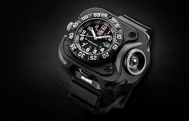 SureFire 2211 Luminox WristLight solo