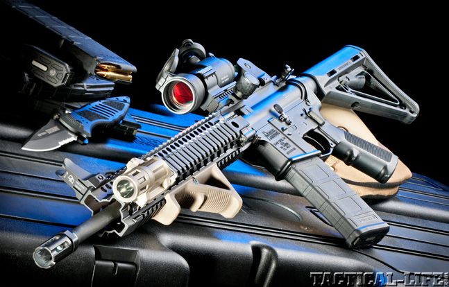 Top 30 Rifles TACTICAL WEAPONS 2014 Daniel Defense Lightweight Package lead
