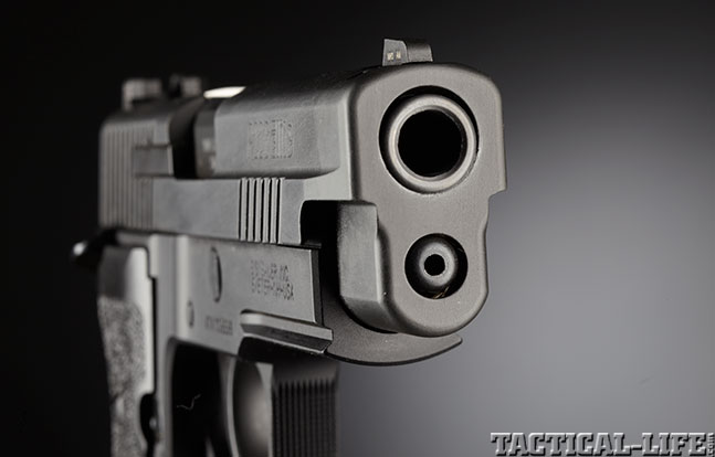 Top 18 Full-Size Guns 2014 SIG SAUER P226 ELITE SAO muzzle