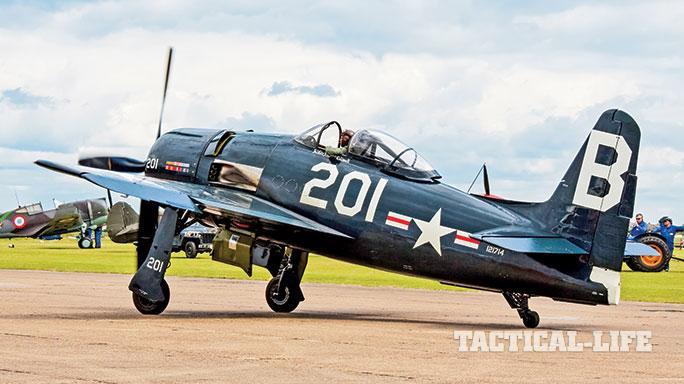 Vine Aircraft Weekend A 1 Skyraider Grumman F8f Bearcat