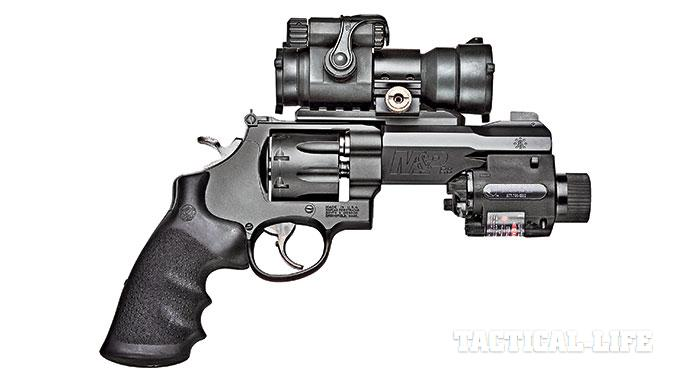 Smith & Wesson M&P R8 revolver