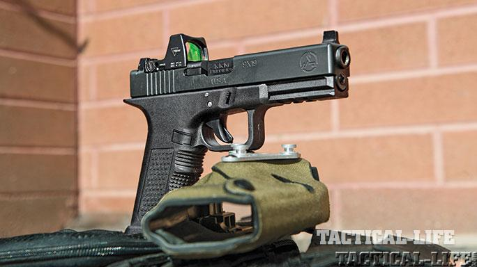 Reflex Sights test TW Feb 2015 firearm