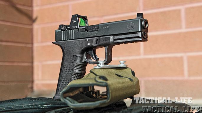 Reflex Sights test TW Feb 2015 firearm