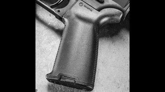 Del-Ton Evolution Rifle CBG 2016 grip