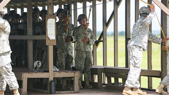 2 Women Set to Graduate Army Ranger Course