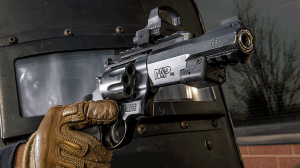 2015 revolvers Smith & Wesson PC M&P R8