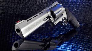 2015 revolvers Taurus Raging Judge Magnum