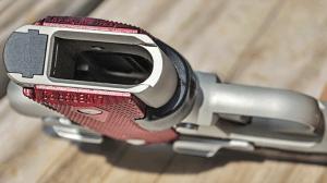 Kimber Micro Crimson Carry mag well