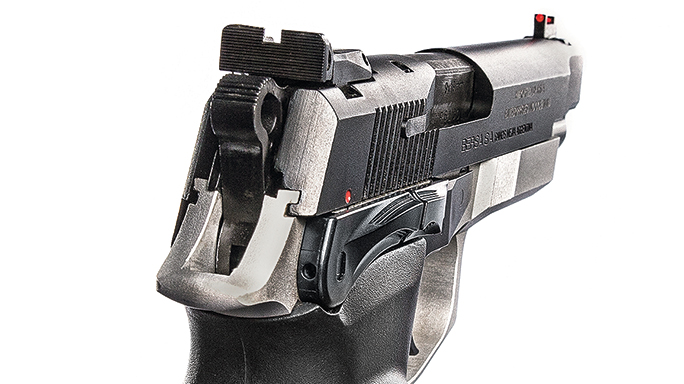 Bersa Thunder 9 Pro XT pistol rear sight