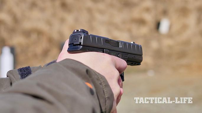 Beretta APX Pistol gun range
