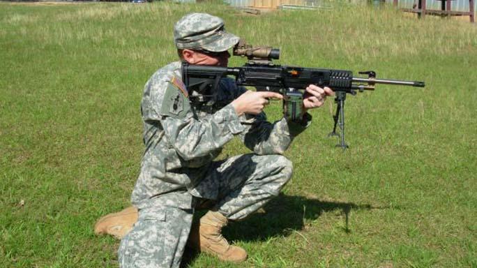 sig sauer xm17 pistol LSAT gun