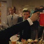 Tom Hardy guns Reggie Kray