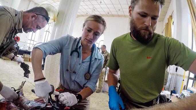 Mosul Medic Nik Frey surgery